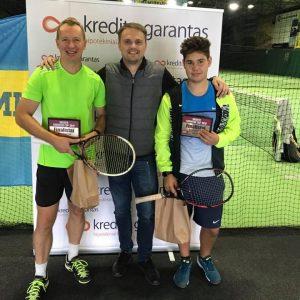 """Turnyro """"Kredito Garantas Cup 2017"""" II vietos vyrų dvejetų laimėtojai"""