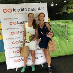 """Turnyro """"Kredito Garantas Cup 2017"""" II vietos moterų dvejetų laimėtojos"""